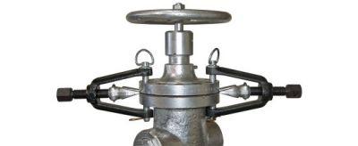 Flange spreader PETOL, inside frame width 2.3/4'', pin diameter 5/8'', GEARENCH (N14)